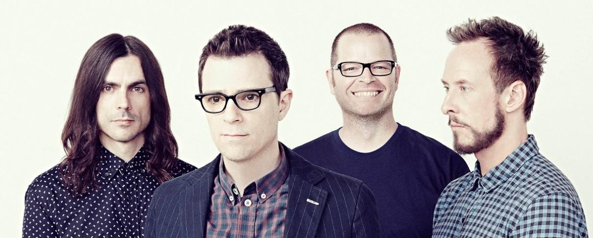 """Ακούστε το """"The Black Album"""" των Weezer"""