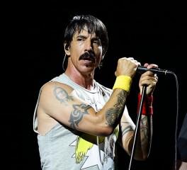 Οι Red Hot Chili Peppers διασκευάζουν Cars εις μνήμην Ric Ocasek