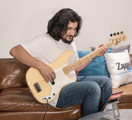 Η Fender κάνει την κιθάρα μέρος της εργασιακής σου καθημερινότητας