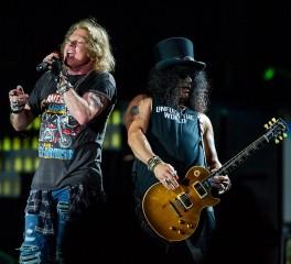 Οι Guns N' Roses καταθέτουν αγωγή εναντίον ζυθοποιίας