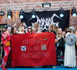 Ο πρώτος heavy metal διαγωνισμός… πλεξίματος