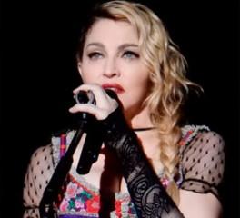 «Δεν θα σταματήσω να παίζω μουσική για να ικανοποιήσω την πολιτική ατζέντα κάποιου…»