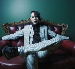 Ο Marilyn Manson και ο «νέος πάπας» της μικρής οθόνης