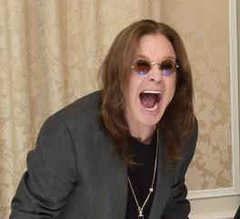 """H εγγονή του Ozzy ροκάρει με το """"Crazy Train"""""""