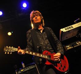 Πέθανε ο κιθαρίστας των UFO, Paul Raymond