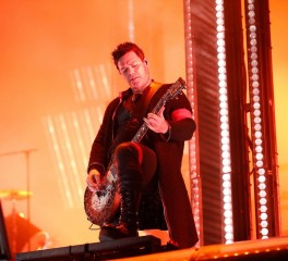 On stage... φιλί των Rammstein ενάντια στους αντι-LGBTQ νόμους της Ρωσίας