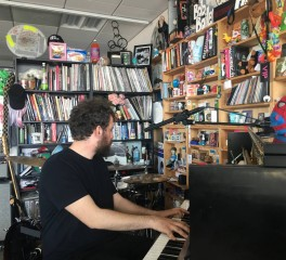 Το Tiny Desk Concert του Theodore στη Washington έρχεται στις οθόνες μας στις 17 Απριλίου
