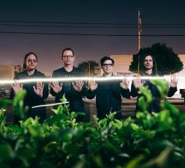 Οι Weezer «μοιράζονται» ένα νέο κομμάτι
