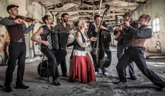 Μια πολυπολιτισμική μουσική βραδιά με την Barcelona Gipsy Balkan Orchestra στην Τεχνόπολη
