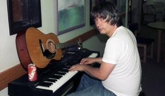 «Έφυγε» ο cult συνθέτης, Daniel Johnston