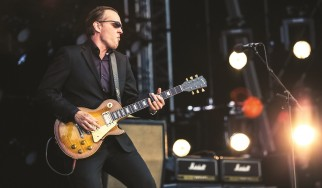 """The Valley Runs Low"": Νέο live video από τον Joe Bonamassa"