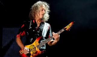 O Kirk Hammett στην σκηνή των UFO