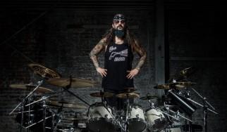 Mike Portnoy: «Κάτι σαν Dream Theater χωρίς ενοχλητικά φωνητικά…»
