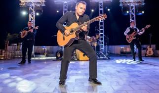 Ο Παύλος Σιμτικίδης (Pavlo) έρχεται με πολλούς καλεσμένους για μια συναυλία στην Καστοριά