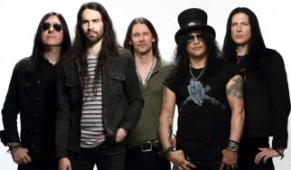 "Slash, Myles Kennedy και... live εκτέλεση του ""Shadow Life"""