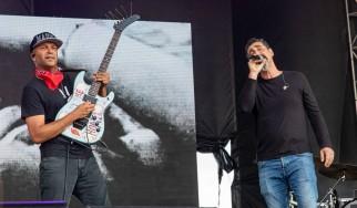 Tom Morello και Serj Tankian προς τιμήν του Chris Cornell