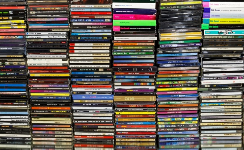 Αν έχεις κάποιο από αυτά τα CD, διατήρησε την ψυχραιμία σου…