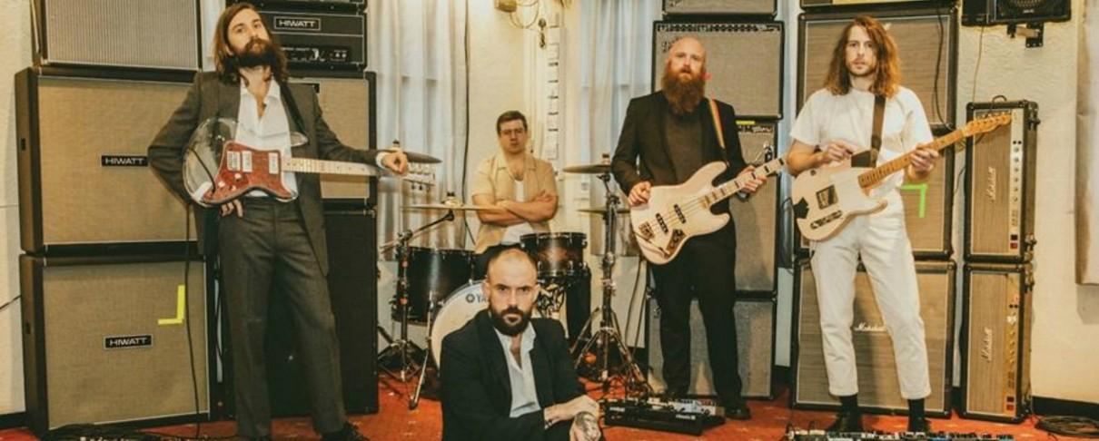 """Στην πρώτη θέση των βρετανικών charts οι Idles με το """"Ultra Mono"""""""