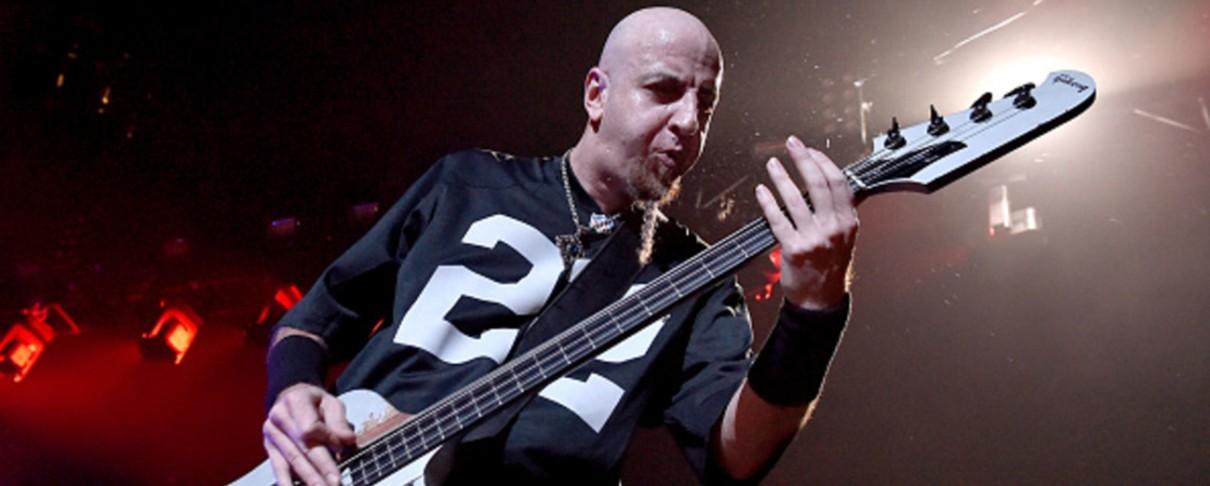 """Ο μπασίστας των System Of A Down εξηγεί γιατί άλλαξαν το αρχικό όνομα του """"Chop Suey!"""""""