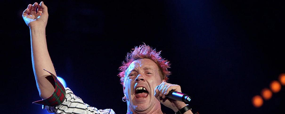 Ψύλλοι τσίμπησαν τον frontman των Sex Pistols