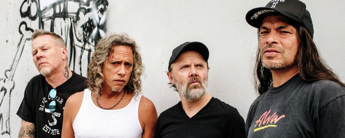 Οι Metallica συγχαίρουν την ποδοσφαιρική ομάδα της Μπάγερν Μονάχου