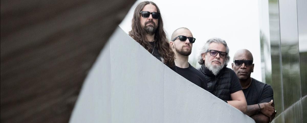 """Δείτε τους Sepultura να παίζουν αποστασιοποιημένα το """"Arise"""""""