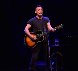 Bruce Springsteen: Πρώτος καλλιτέχνης με δίσκο στο Top Five των charts σε έξι συνεχόμενες δεκαετίες
