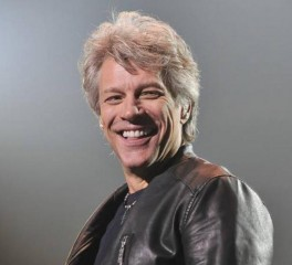O Bon Jovi διασκευάζει Elvis Presley, The Pogues και Tom Petty