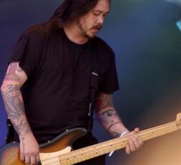 Μεταθανάτια συλλογή με απαγγελίες από τον πρώην μπασίστα των Deftones