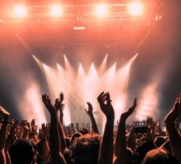 Διευκρινίσεις για τα 100 άτομα πλαφόν ζητά ο Πανελλήνιος Σύνδεσμος Διοργανωτών Πολιτιστικών Εκδηλώσεων