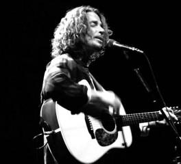 Ακούστε τον Chris Cornell να διασκευάζει Guns N' Roses