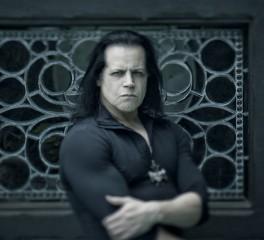 O Danzig τραγουδάει Elvis