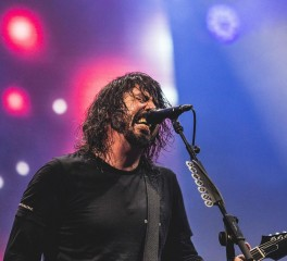 Dave Grohl: «Αν θελήσουμε, οι Foo Fighters θα μπορούσαν να μετατραπούν σε death metal μπάντα»
