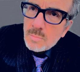 """Hey Clockface"": Αυτός θα είναι ο 31ος δίσκος του Elvis Costello"