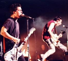 """Οι Green Day ανακοινώνουν επετειακή επανέκδοση για τα 25 χρόνια του """"Insomniac"""""""