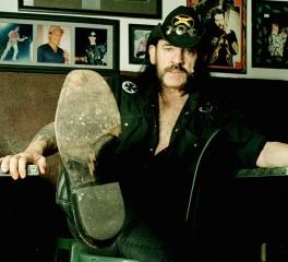 Μάσκες του Lemmy κυκλοφορούν οι Motorhead