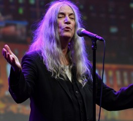 "Η Patti Smith διασκευάζει το ""After The Gold Rush"" του Neil Young"