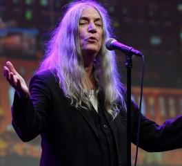 """Η Patti Smith διασκευάζει το """"After The Gold Rush"""" του Neil Young"""