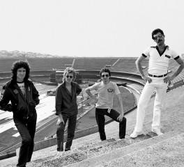 """Queen: Για πρώτη φορά στο Billboard Top 10 το """"Greatest Hits"""""""