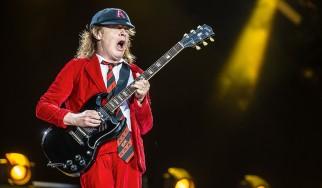 Angus Young: «Αυτά είναι το αγαπημένο μου και το χειρότερο τραγούδι των AC/DC αντίστοιχα»