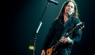 Myles Kennedy: «Οι Eddie Van Halen και Jimmy Page ήταν ο λόγος που έμαθα κιθάρα»