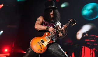 Slash: «Ευελπιστώ πως το 2021 θα κυκλοφορήσουμε νέα μουσική με τους Guns N' Roses»