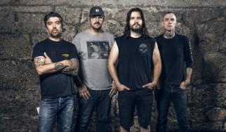 Οι Converge δουλεύουν με μέλη των Cave In, Chelsea Wolfe για το πρώτο άλμπουμ των… Blood Moon