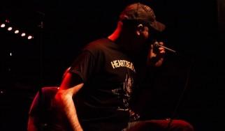 """Οι Jaw Bones δίνουν free για download τον πρώτο τους δίσκο, """"Wrongs On A Right Turn"""""""