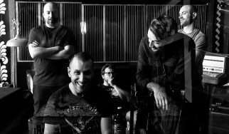 Πρώτη μετάδοση: Νέο τραγούδι από τους Lesser Glow