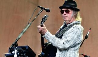 """Ο Neil Young δημοσιοποιεί λεπτομέρειες για το """"Archives Volume 2: 1972-1976"""""""