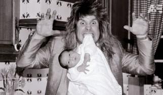 """Πληροφορίες και δίλεπτο απόσπασμα για το """"Biography: The Nine Lives Of Ozzy Osbourne"""""""
