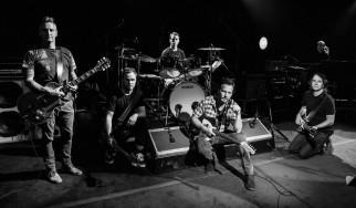 """Ακούστε το νέο single των Pearl Jam, """"Superblood Wolfmoon"""""""