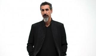 O Serj Tankian καταδικάζει τις εχθροπραξίες ανάμεσα σε Αρμενία και Αζερμπαϊτζάν
