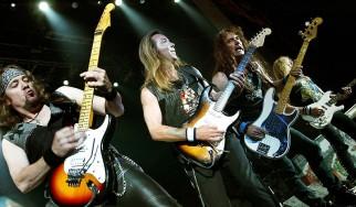 Adrian Smith: «Οι τρεις κιθαρίστες στους Iron Maiden συνυπάρχουμε καλύτερα από όσο περίμενα»